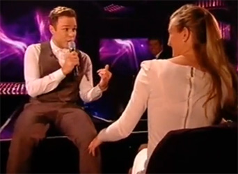 Olly Murs Singing to a Fan